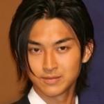 松田翔太ドラマ低視聴率で移籍?兄、龍平はあまちゃんで絶好調!不仲説は?